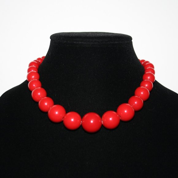 Beautiful chunky red beaded necklace adjustable